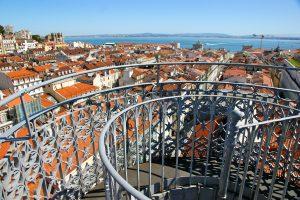 Vue sur Lisbonne depuis ascenseur de Santa Justa - Photo flickr de Sergi Ribas
