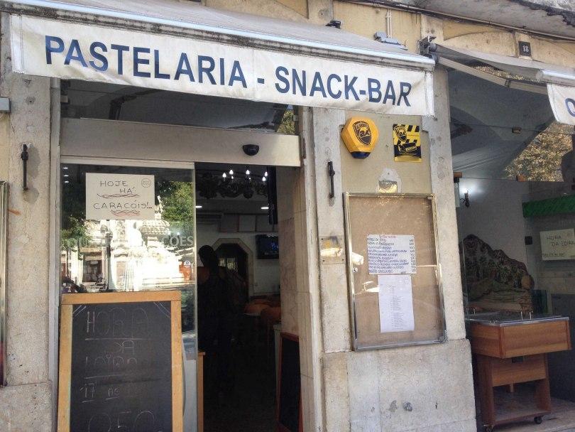 Pastelaria Quatro Estaçoes - Snack Bar Lisbonne - Biere pas chere
