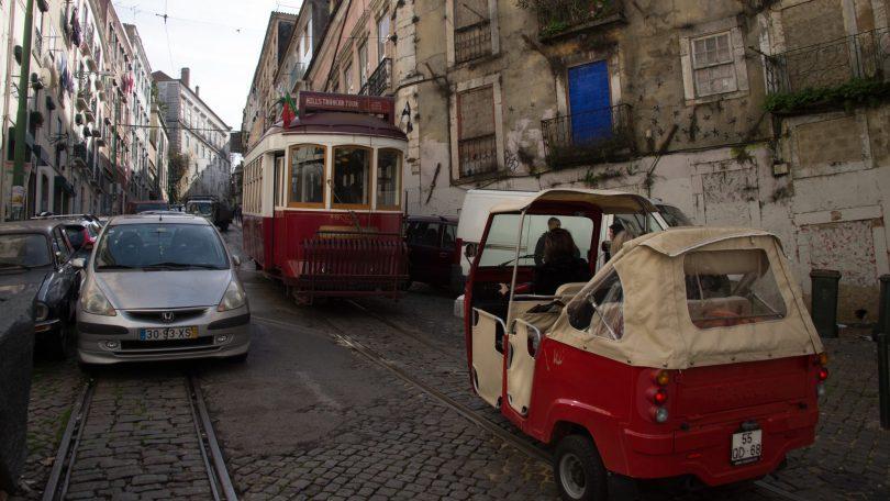 Circulation compliquee dans le centre de Lisbonne - Photo flickr de Denis Maho