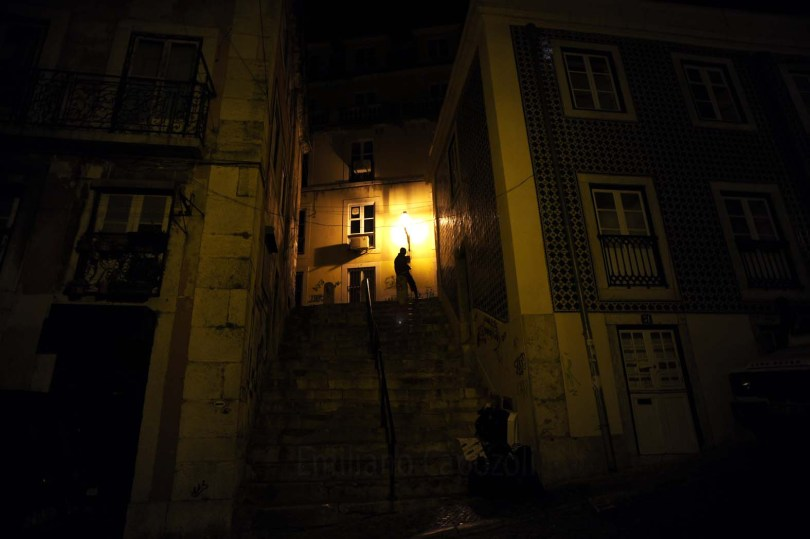 Rue sombre à Lisbonne - Photo flckr de Emiliano Capozoli