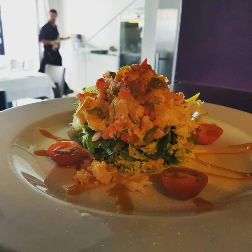 Salade de crabe et mangue sur du vert - Rstaurant Ibo - Lisbonne