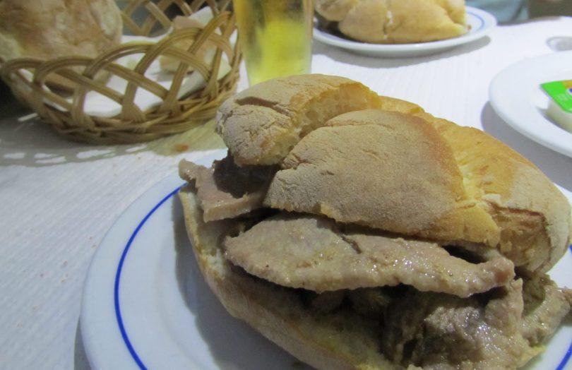 Bifana chez Beira Gare -Street Food - Lisbonne - Rossio - Photo Flickr de Sonia Nolasco