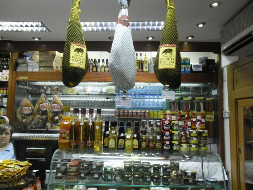 Comptoir jambons Epicerie fine Manuel Tavares - Centre - Lisbonne