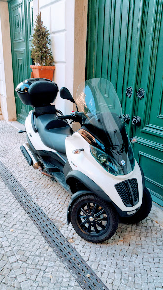 Scooter MP3 500CC - Location French Connection LX - Lisbonne