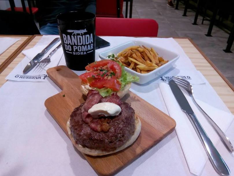 Burger chez O Reserva - Restaurant Sports Bar - Lisbonne