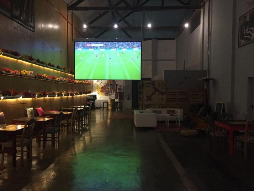 El Bulo Social Club - Bar restaurant argentin - Ecran pour match de foot - Lisbonne