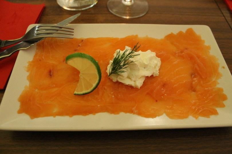 Gravelax de saumon et citron - Entree du restaurant Legaaal - Lisbonne