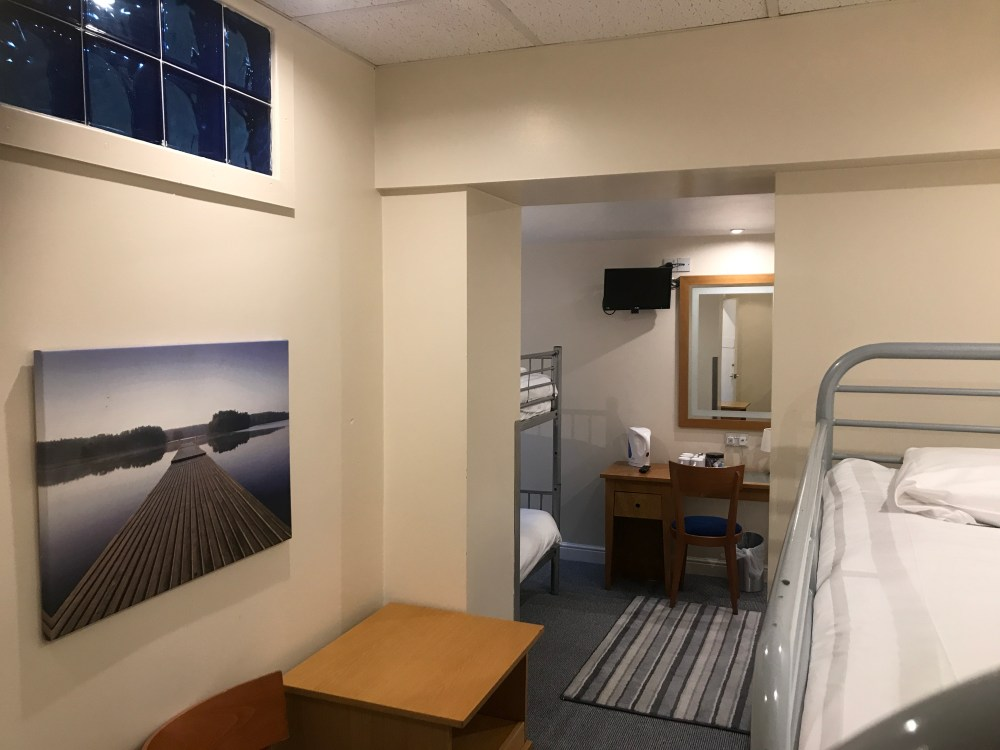 Weekend Blackpool Blue Group Hotel Double & Bunk Beds