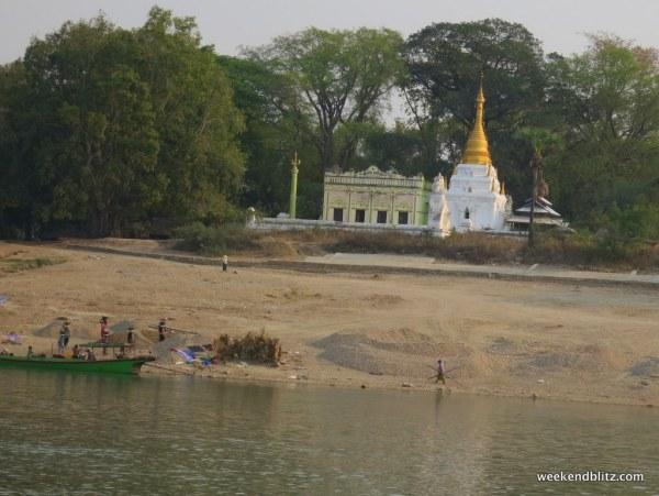 ...lots and lots of pagodas....