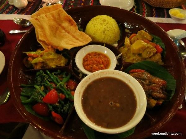 Our sampler platter of Burmese delicasies