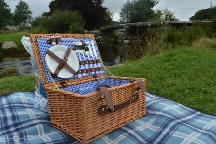 vonshef wicker picnic hampe