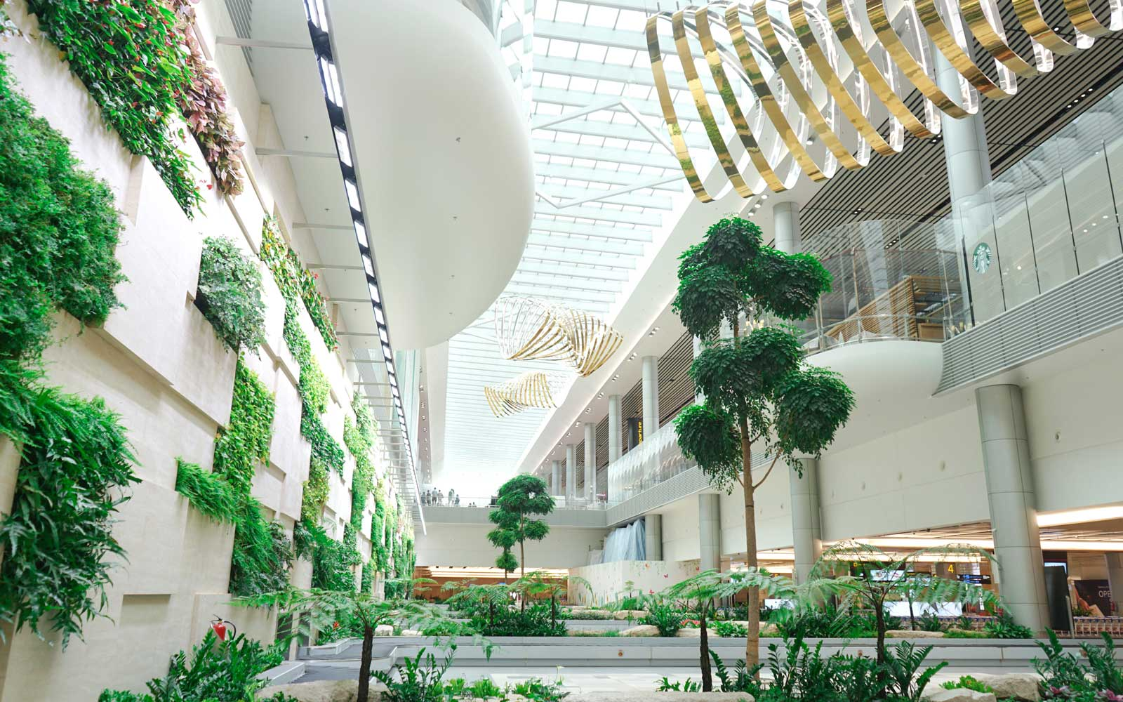 5 Most Comfortable, Luxurious Airports Worldwide