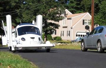 flying_car_on_road