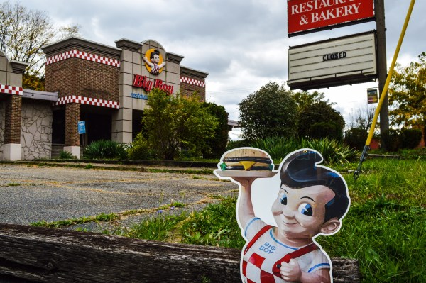 While the vast majority of the former locations of Elby's have been re-purposed into everything from insurance offices to used car lots, this Big Boy Restaurant of the past still stands in Weirton.