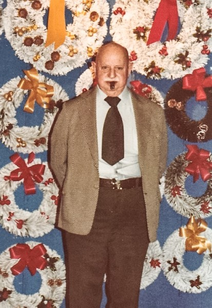 Isador Mendelson founded Imperial Display in the 1930s.