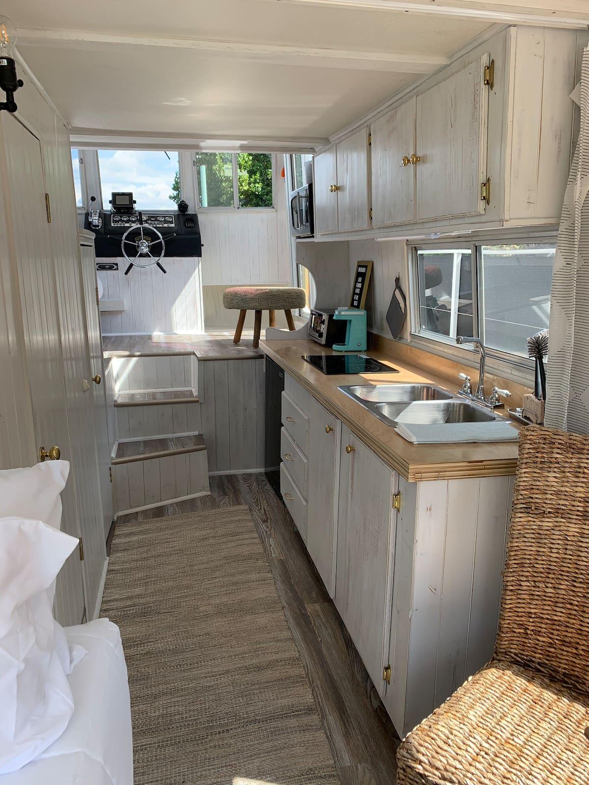 Houseboat Air Bnb