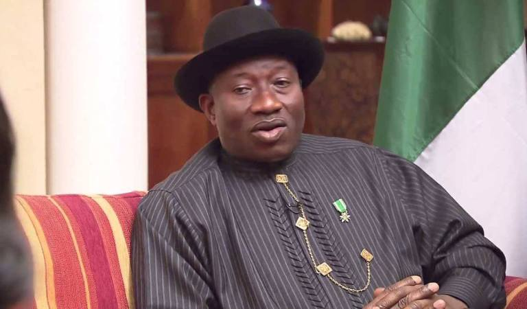 2023: Goodluck Jonathan Deeply Confused As He Weighs Choices Between Joining APC or To Remain In PDP