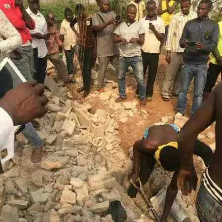 HAPPENING NOW!! 4 Years Old Baby Burried Alive In a Church in Osun