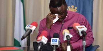 Ayade's Aides Exchange Blows As Meeting To Protest Supreme Court Ruling on PDP Ward, Chapter Exco List Ends In Brawl