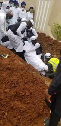 JUST NOW!! Heavy Security As Ajimobi Laid To Rest In Private Residence