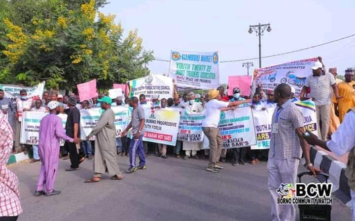 Confusion As Some Protesters Storm Street, Tells Buhari To Bring Back SARS (Pictures)