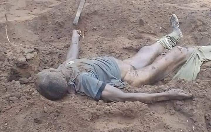 SHOCKER!! Native Doctor Dies Inside Grave While Exhuming Body Of 'Maltreated' Housewife