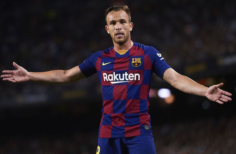 Arthur Defends Barcelona in the Champions League 2019-2020