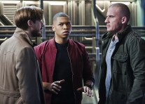 "DC's Legends of Tomorrow -- ""Marooned"" -- Image LGN107B_0081b.jpg -- Pictured (L-R): Arthur Darvill as Rip Hunter, Franz Drameh as Jefferson ""Jax"" Jackson, and Dominic Purcell as Mick Rory / Heat Wave -- Photo: Bettina Strauss/The CW -- © 2016 The CW Network, LLC. All Rights Reserved."