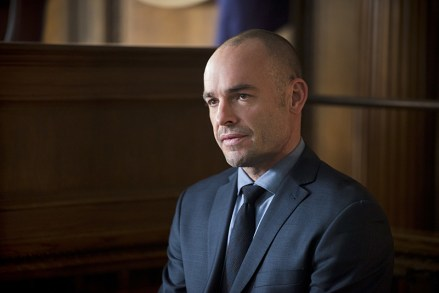 """Arrow -- """"Broken Hearts"""" -- Image AR416b_0174b.jpg -- Pictured: Paul Blackthorne as Detective Quentin Lance -- Photo: Diyah Pera /The CW -- © 2016 The CW Network, LLC. All Rights Reserved."""