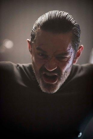 Gotham_S02E19_Azrael_Still (5)