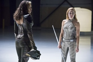"""DC's Legends of Tomorrow -- """"Last Refuge""""-- Image LGN112b_0339b.jpg -- Pictured: Ciara Renee as Kendra Saunders/Hawkgirl and Caity Lotz as Sara Lance/White Canary -- Photo: Dean Buscher/The CW -- © 2016 The CW Network, LLC. All Rights Reserved."""