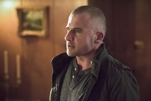 """DC's Legends of Tomorrow -- """"Last Refuge""""-- Image LGN112a_0533b.jpg -- Pictured: Dominic Purcell as Mick Rory/Heat Wave -- Photo: Dean Buscher/The CW -- © 2016 The CW Network, LLC. All Rights Reserved."""