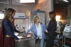 """Better Angels"" -- Supergirl is forced to do battle with an unexpected foe and must risk everything -- including her life -- to prevent Non and Indigo from destroying every person on the planet, on the first season finale of SUPERGIRL, Monday, April 18 (8:00-9:00 PM, ET/PT) on the CBS Television Network. Pictured left to right: Melissa Benoist, Helen Slater and Chyler Leigh Photo: Cliff Lipson/CBS ©2016 CBS Broadcasting, Inc. All Rights Reserved"