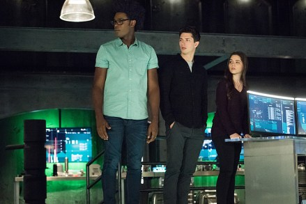"""Arrow -- """"Human Target"""" -- Image AR505a_0205.jpg -- Pictured (L-R): Echo Kellum as Curtis Holt, Joe Dinicol as Rory Regan/Ragman, and Madison McLaughlin as Evelyn Sharp/Artemis -- Photo: Dean Buscher/The CW -- © 2016 The CW Network, LLC. All Rights Reserved."""