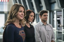"""Supergirl -- """"Welcome to Earth"""" -- Image SPG203c_0059 -- Pictured (L-R): Melissa Benoist as Kara/Supergirl, Chyler Leigh as Alex Danvers, and Jeremy Jordan as Winn Schott -- Photo: Diyah Pera/The CW -- © 2016 The CW Network, LLC. All Rights Reserved"""