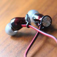 wgm_momentum_earbuds