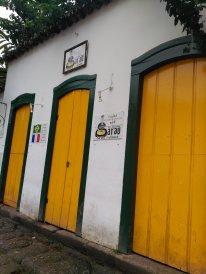 Puertas coloridas - Colorful doors