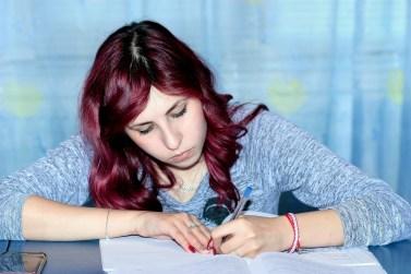 meisje-concentratie-schrijven