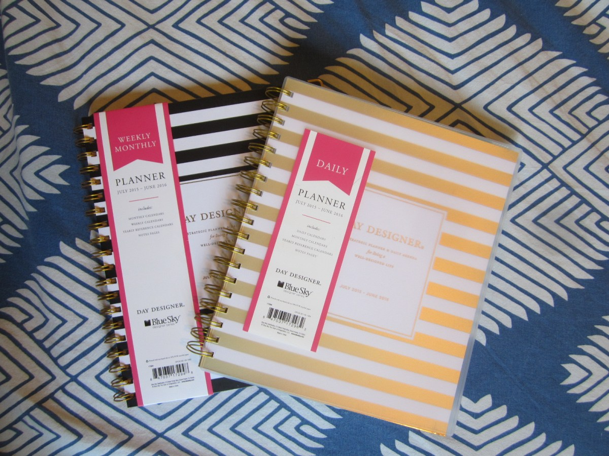 Look Inside: The Day Designer for Blue Sky Target Gold Stripe Daily Planner