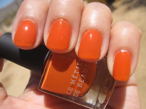LMdBnails4 Le Métier de Beaute Nail Lacquer Review   including the summer 2012 shade Penny Lane