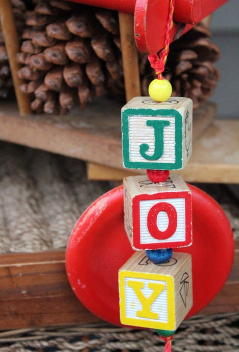 Blocks8 How To: Wood Block Holiday Decorations