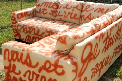 spray painted sofa DIY