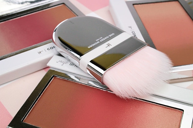 IT Cosmetics Confidence In Your Glow Blushing Bronzer 1 IT Cosmetics Confidence In Your Glow Blushing Bronzer swatches and review