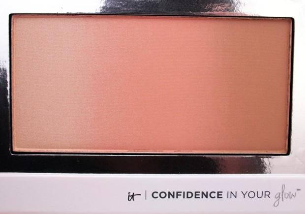 IT Cosmetics Confidence In Your Glow Blushing Bronzer Instant Nude Glow IT Cosmetics Confidence In Your Glow Blushing Bronzer swatches and review