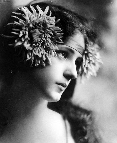 1900s beauty Evelyn Nesbit