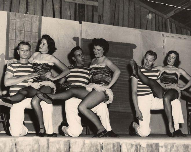 1950s chorus girls