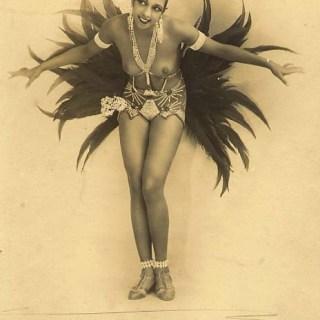 Josephine Baker in costume (well, some feathers & rhinestones)