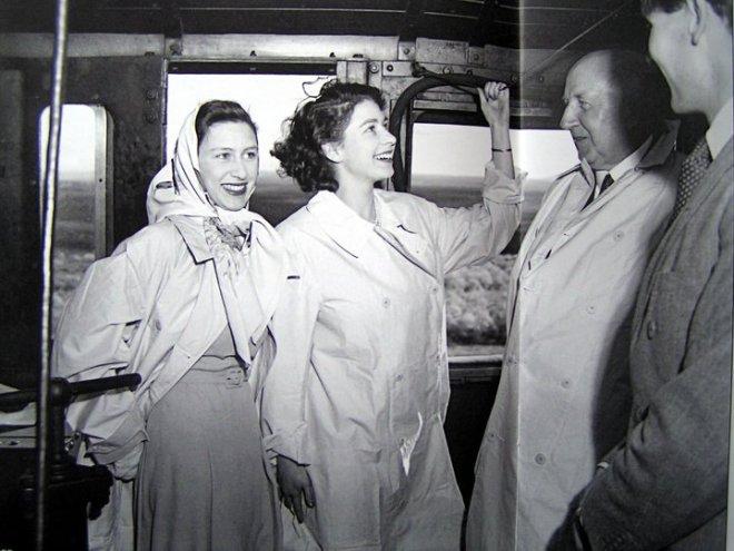 Young Princess Elizabeth and Margaret