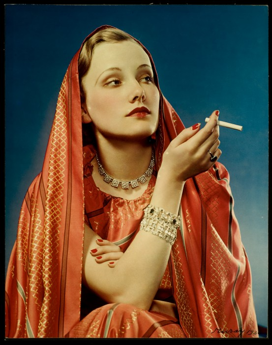 1930s Marlene Dietrich look-alike in a saree