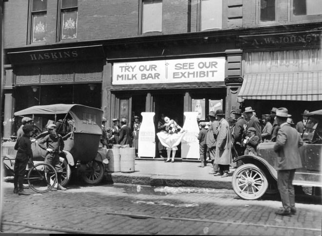 1920s health clown